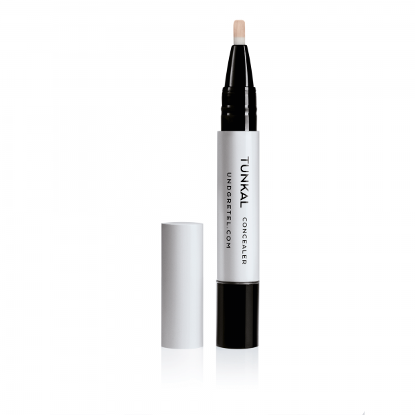 TUNKAL-Concealer-Light-Beige-02