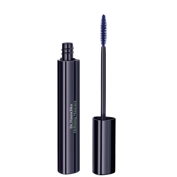 Defining-Mascara-03-blue