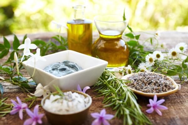 Still-life-of-herbs-massage-oil-mud-mask-rosemary-salt-155145929_1255x837